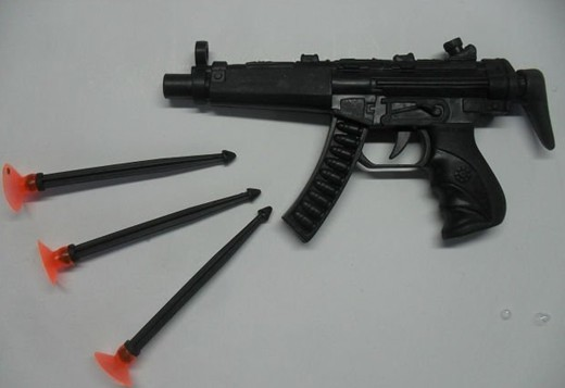 plastic needle toy gun with target for kid